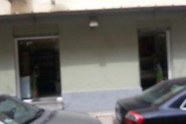 Dyqan sip 40 m2 , 110000 euro rruga Myslym Shyri, Shitje