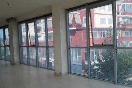 Shitet ambjent biznesi 500 m2 ne Paskuqan