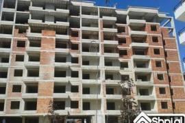 Shitet apartament tek zona e Astirit, € 400,00