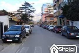 Te shkolla kuqe shiten apartamente, Shitje, Tirana