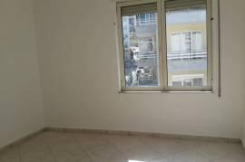 Shitet apartament 2+1 ne Tirane, Shitje