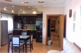 Jepet me qira apartament 2+1 super mobilim, Tirana, Qera