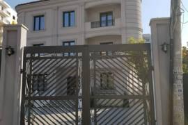 SHITET VILA PRANE 'BLLOKUT TE VILAVE' TIRANE E RE, Shitje, Tirana