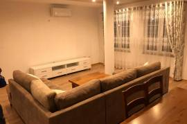Apartament me qera, Tirana, Qera