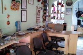 Dyqan 15m2 per agjensi turistike tek Pazari i Ri , Qera