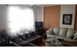 Shitet apartament 2+1 81m2 78000 euro Rr. Kavajes!, Πώληση