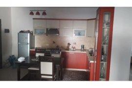 2+1 96m2 me hipoteke 72 000Euro tek Rruga 5 Maji!, Πώληση