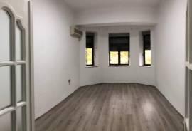 Apartament me qera për zyra 2+1 tek pallatet Agimi, Qera