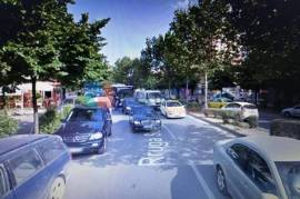 Shitet Dyqan Buze Rruge Tek Vasil Shanto, Tirana