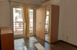 Apartament 4+1 210m2 Rruga:Hamdi Sina, Qera
