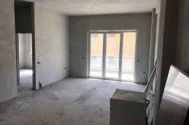 Shitet 2+1,95 m2 ,88000 euro, me Hipoteke,, Shitje