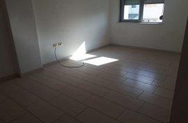 Apartament 1+1 65m2 Rruga e re,tek aml -- 45,500 €, Shitje