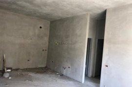 Shitet apartament 1+1, 68.3m2, 63000 euro, Shitje