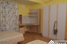 Tirane, jap me qera Vile 2+1+A+BLK Kati 3, 200 m²