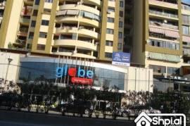 Mbi qendren Globe shitet super apartament 2+1, Shitje