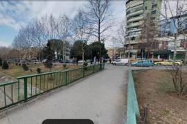 Ambjent biznesi me qera perball Gjykates Tirane, Affitto, Tirana