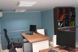 Shitet zyre e kompletuar tek Rr.Bogdaneve. , Tirana