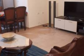Jepet Me Qira Apartament 1+1 Ne Bllok!, Tirana, Qera