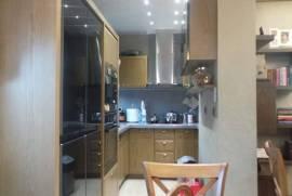 Shitet super Apartment 2+1 mobiluar. Ne bllok., Shitje, Tirana