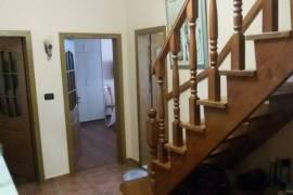 Shitet| Apartament duplex 4+1,137 m2, 137000euro, Shitje