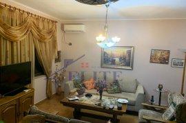 Shitet apartament 2+1 në rrugën Qemal Stafa, Shitje